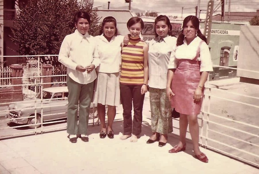 Jan Kurtz (center) with her Mexican maid and amiga, Beda (to her right) and cousins, Saltillo, Mexico, 1970